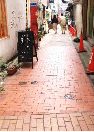 元町商店街一番街【メッセージ煉瓦】