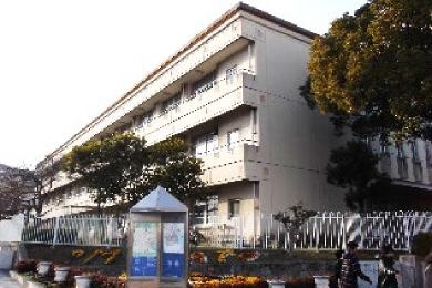 湊小学校【沈下した手洗い場】